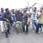 Fake soldier escapes lynching for stealing phone in Warri