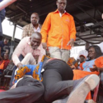 Wow! Governor and Lawmaker fight dirty in the public (Photos)
