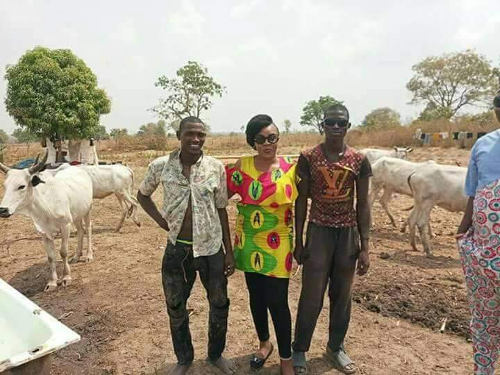 Lady, Igbo lady poses with Fulani Herdsmen – See Photos