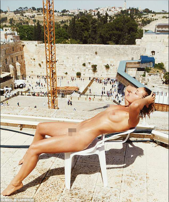 Model, Model receives death threat after posing na3ked in front of Jerusalem's Wailing Wall (+18 photos)