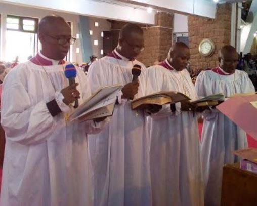Photo of 4 abducted catholic priests regain freedom in Delta State