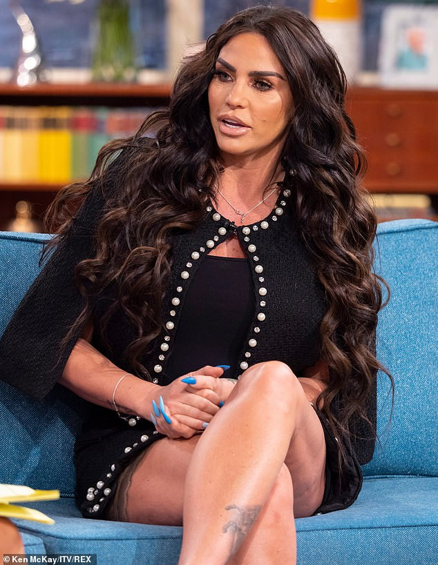 Katie Price, Celeb News: Katie Price spotted completely nak'd with boyfriend Kris at beach in Thailand