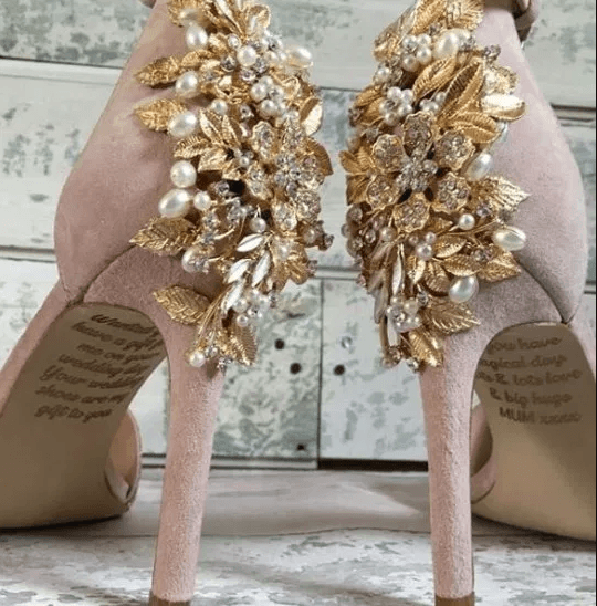 , Bride finds secret message from her late mum on the soles of her wedding shoes