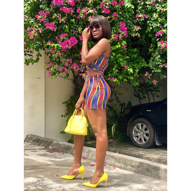 Alex Unusual flaunts hot legs, says 'All things bright and beautiful'