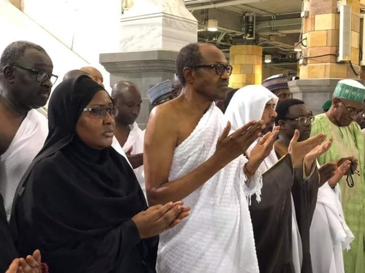 President Buhari and Aisha, perform Umrah (lesser Hajj) at the Grand Mosque in Makkah (photos)