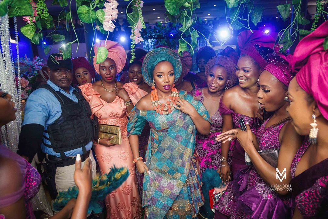Beautiful BamBam with her Asoebi ladies on fire, Photos: Beautiful BamBam with her Asoebi ladies on fire, Latest Nigeria News, Daily Devotionals & Celebrity Gossips - Chidispalace