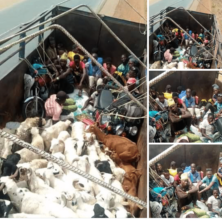 Photo of Two lorries loaded with passengers turned back from Kaduna-Kano border